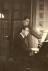 Jacques Berthier avec son père, Paul, rue de Caylus à Auxerre, 1945