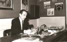 Jacques Berthier à son bureau des Editions Fleurus, 1975